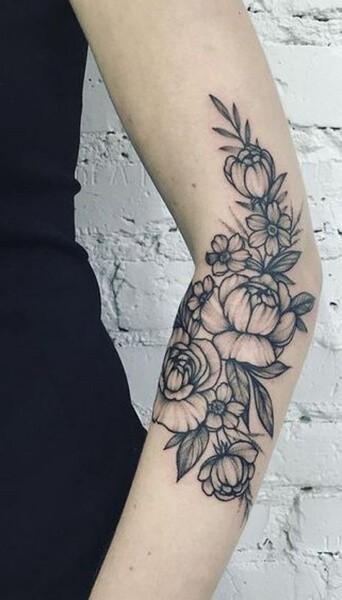 Тату цветы на руке для девушек