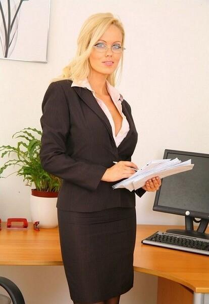 Международный день секретаря